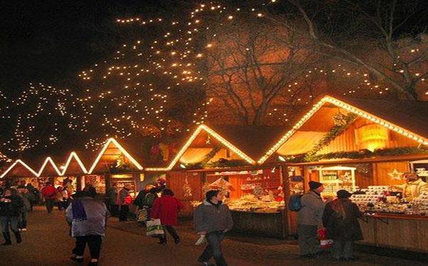Stadsbezoek Aan Luik Met Kerstmarkt Stad Brugge