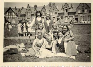 oude foto met bevolking op het Adm. Keyesplein