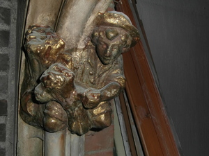Vlamingstr 98 - detail van gouden beeldje in interieur (bestaande toestand)